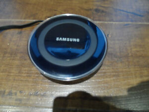 Samsung Wireless Charging Pad: Phone Battery Charger EP-PG920i