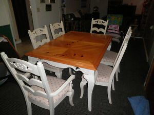 Dining table + chairs set