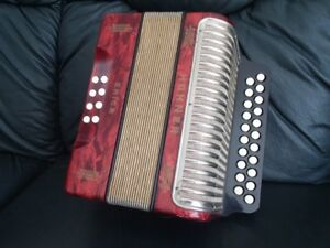 Hohner Erica Two-Row Accordion AD Pearl Red LN