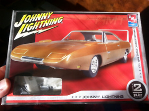 2006 AMT/Ertl 1/25 1969 Dodge Charger Daytona plastic model kit