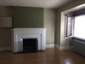 4 bedroom detached house for rent in East York@Pape/O'connor