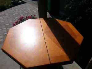 Hexagon hydroic table. Heavy duty. Great condition.
