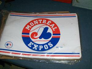 LOT OF 16 MONTREAL EXPOS BASEBALL TEAM PLACEMATS-NAPPERONS