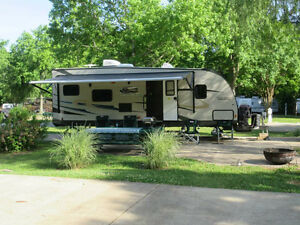 TAKE YOUR GOLF CART with this Toyhauler   RV: MINT CONDITION