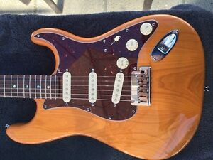 Fender stratocaster Deluxe condition 10/10 sort du luthier