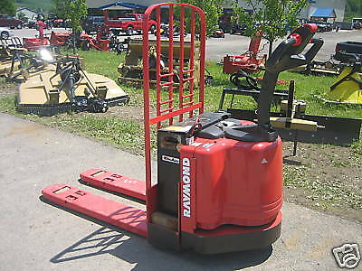 2004 Raymond Model 111 Walk Behind 48 Forks Lb Cap With Battery Charger Hd