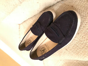 Cole Haan navy topsiders. Good condition.