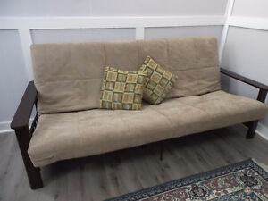 DUAL PURPOSE FUTON COUCH/BED