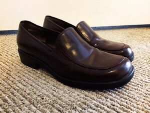 Women's dress shoes – 7 1/2 - Brown - EXCELLENT condition.