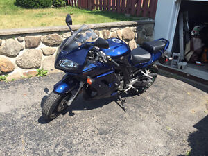 Suzuki sv650s 2008 low km negotiable West Island Greater Montréal image 7