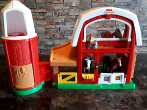 Ferme musicale Fisher Price avec animaux