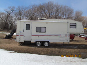 5TH WHEEL CAMPER 25.5 FT TERRY RESORT