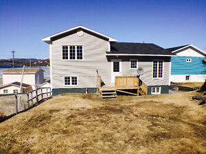 Port Aux Basques-4 bedroom home, private yard, and parking