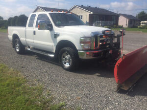 2008 Ford F-250 XLT Pickup Truck with 8ft Plow