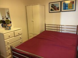 A Double Room To Rent In a Family Home