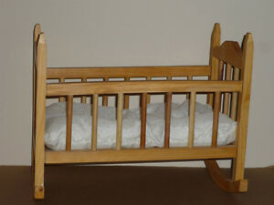 Pine Doll Cradle : Excellent Condition : Like NEW