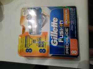 New sealed in box Gillette Fusion Proglide 8 blade pack