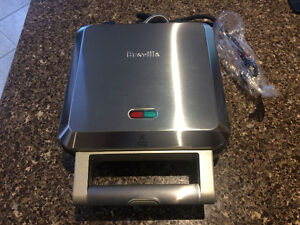 Brand New/Never used Greville Personal Pie Maker.