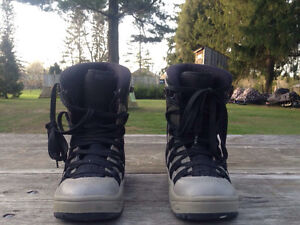 Boys Youth Snowboarding Boots