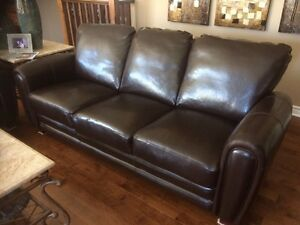 Great price on gently worn leather sofas  London Ontario image 1