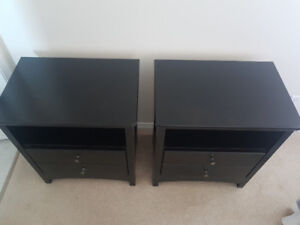 Set of two nightstands