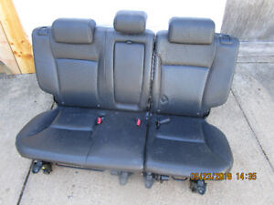 HONDA CRV 2005  rear seats, black leather