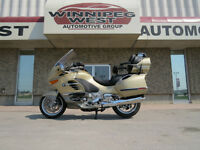 2005 BMW K1200LT TOURING MODEL, LOADED, ONLY 19K KMS, LIKE NEW!!
