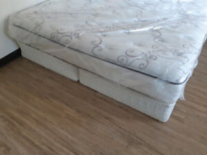 New king matress with box springs