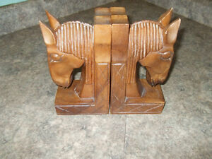 carved horse head bookends London Ontario image 2