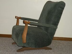 Chairs (Upholstered) Windsor Region Ontario image 3