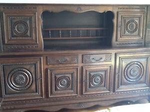Buffet et armoire vitrée en bois