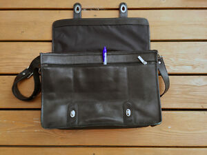 Black Leather Bag Kingston Kingston Area image 4