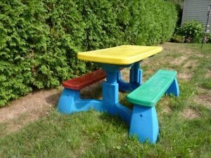 Table à pique nique Fisher-Price - extérieure pour enfant