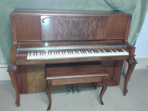 Piano antique mason and risch de 1943