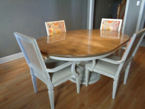 Dining Room Table and Arm Chairs