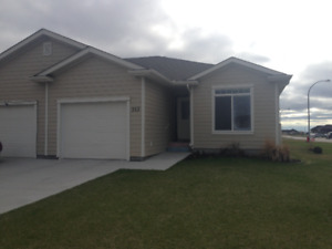 3 Bedroom Duplex for Rent in Steinbach - February 1, 2019