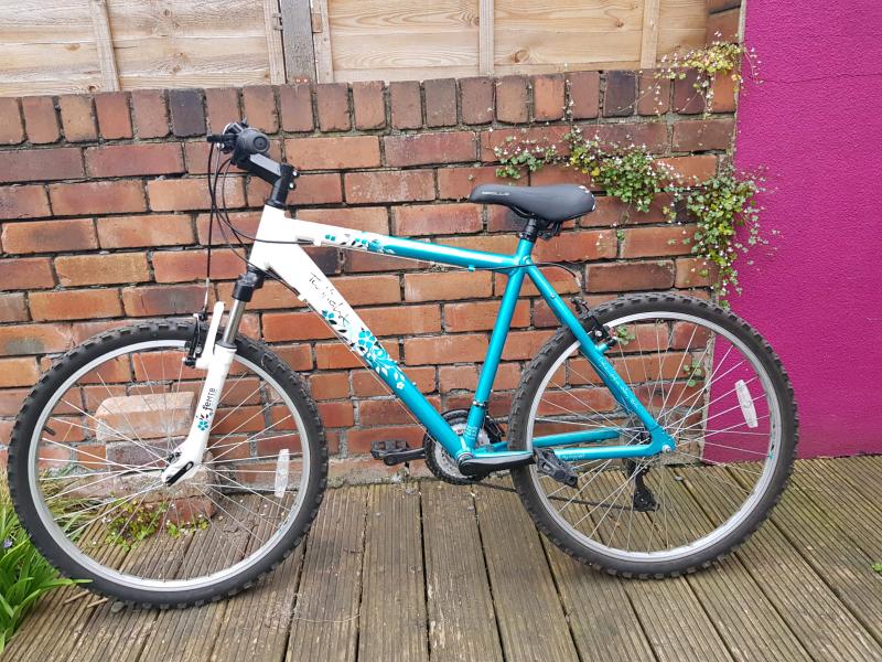 1fa836bb7f5 Apollo ladies mountain bike for sale great condition   in Redfield ...