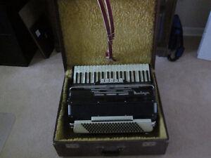 Mundinger Piano Accordion