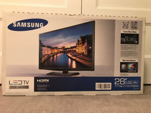 """Samsung 28"""" LED TV New in Box Series 4"""