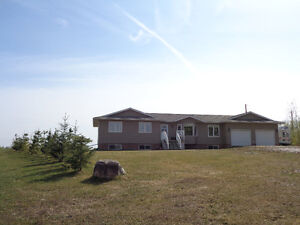 Immaculate Acreage Close to the Town of Edson!