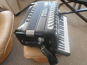 ACCORDION - 120 BASS - AMPLIFIED