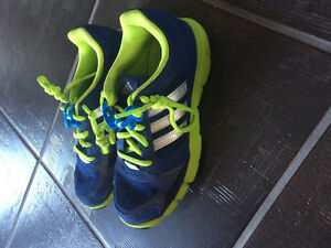 Adidas boys size 2 running shoes brand new