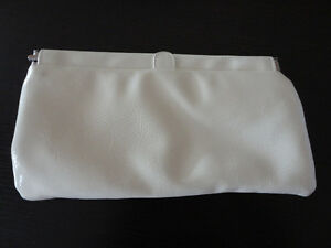 Bath and Body works white floral clutch purse handbag NEW London Ontario image 10
