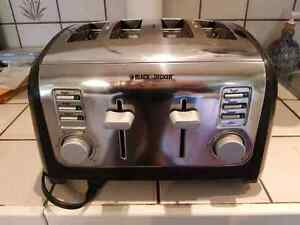 4 slot Black & Decker Toaster