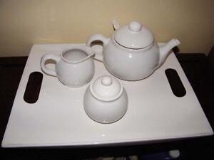 Service à thé blanc (NEUF)