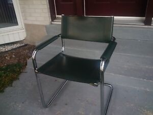 4 - Elegant metal frameI leather Visitor office chair/Dining West Island Greater Montréal image 2