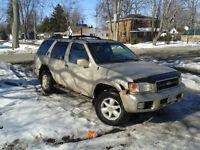 2000 Nissan Pathfinder SUV, Crossover