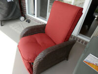 Chaise inclinable de patio.
