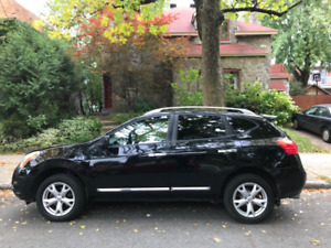 Nissan Rogue 2011 - SV- AWD.  8 pneus!
