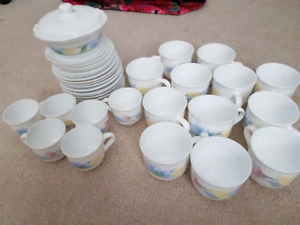 Arcopal coffee and tea cups, 38 piece